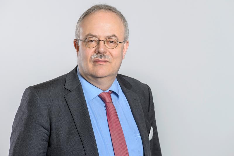Dr. Martin Weigele